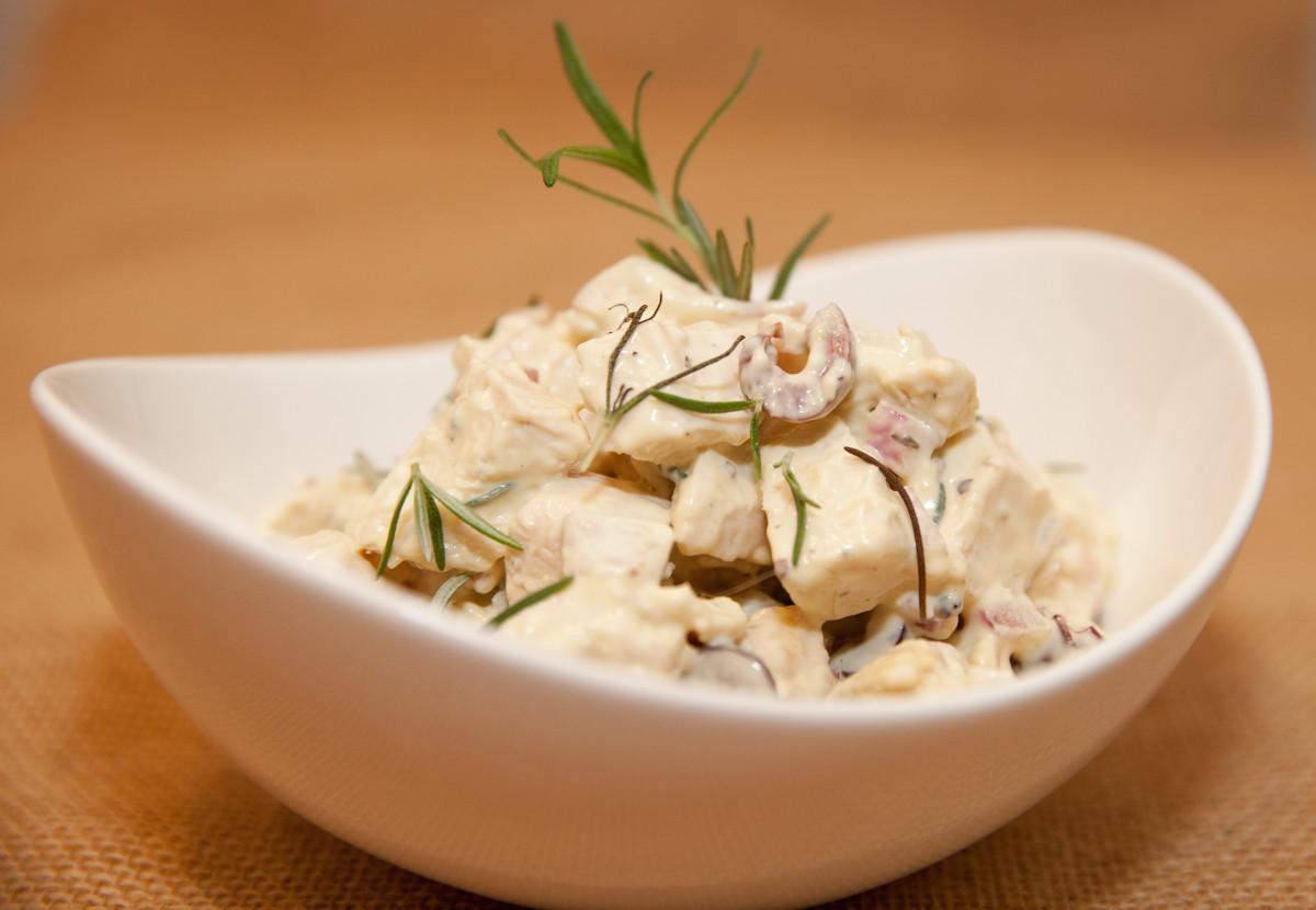Weekly Fresh Flyer: Mediterranean Chicken Salad